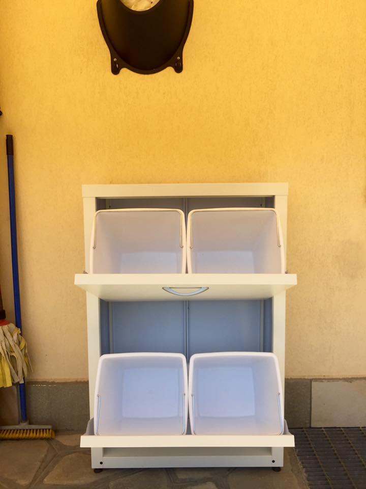 Armadi metallici raccolta differenziata da balcone milano for Mobili da esterno milano